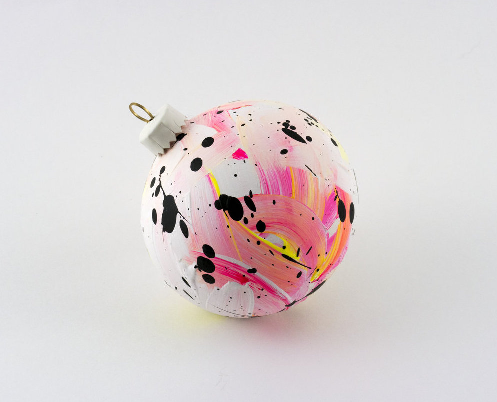 30 pale pink yellow and white bauble 1